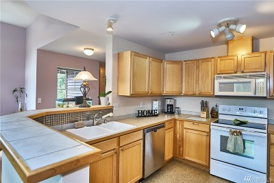 Renton Condo/Townhouse For Sale: 15325 SE 155th Place #T5