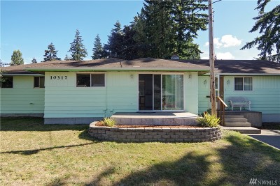 Everett Single Family Home For Sale: 10317 Holly Dr