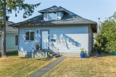 Bellingham Single Family Home For Sale: 2025 Iron St