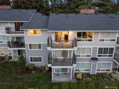 Bellevue Condo/Townhouse For Sale: 15214 NE 8th St #G18