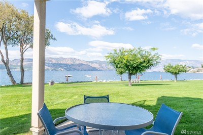 Chelan County, Douglas County Condo/Townhouse For Sale: 100 Lake Chelan Shores Dr #3-2