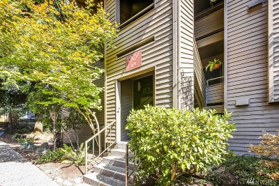 Seattle Condo/Townhouse For Sale: 130 SW 116th St #F-32