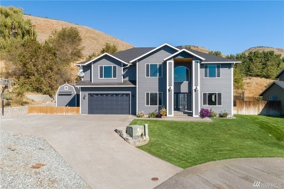 Pateros Single Family Home For Sale: 108 Pryor Dr