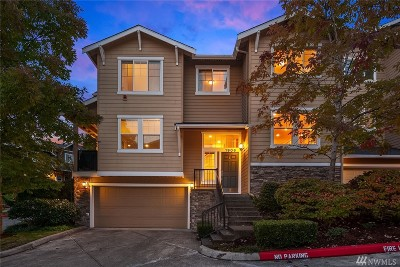 Issaquah Condo/Townhouse For Sale: 1906 Juneberry Ct NE