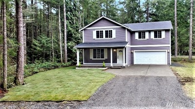 Yelm Single Family Home Contingent: 22203 Bluewater Dr SE