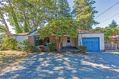 Lakewood Single Family Home For Sale: 8410 Custer Rd SW