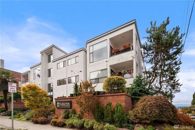 Seattle Condo/Townhouse For Sale: 5711 Phinney Ave N #102