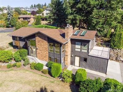 Newcastle Single Family Home For Sale: 6802 Lake Washington Blvd SE