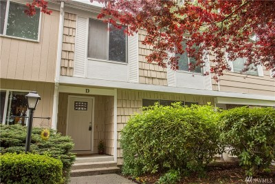 Pierce County Condo/Townhouse For Sale: 8638 Onyx Dr SW #D