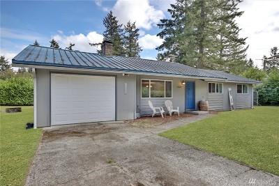 Lakewood Single Family Home For Sale: 12413 Nottingham Rd SW