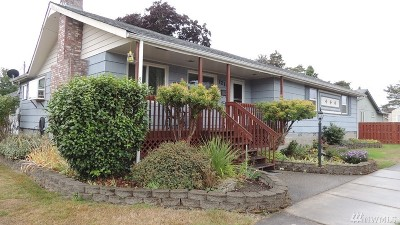 Centralia Single Family Home For Sale: 1210 W Plum St