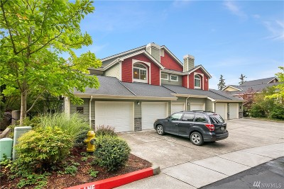 Sammamish Condo/Townhouse For Sale: 4333 Issaquah Pine Lake Rd SE #1306