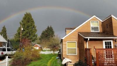 Lakewood Single Family Home For Sale: 9920 Oak Lane SW
