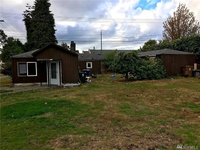 Tacoma Single Family Home For Sale: 5846 S Oakes St