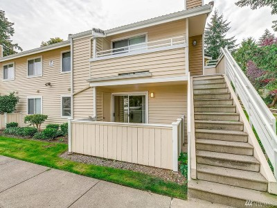 Mountlake Terrace Condo/Townhouse For Sale: 21317 52nd Ave W #F-133