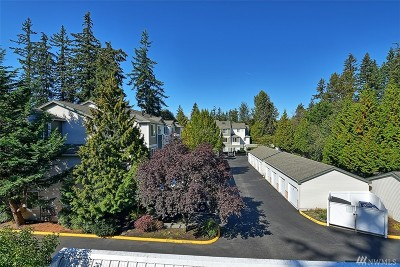 Everett Condo/Townhouse For Sale: 12530 Admiralty Way #F302