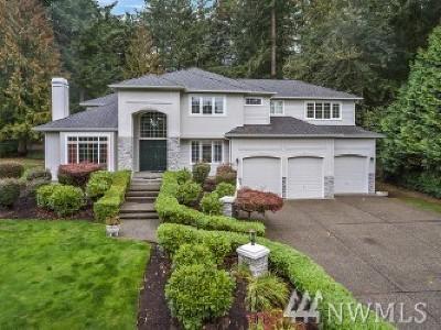 Redmond Single Family Home For Sale: 8732 213th Place NE