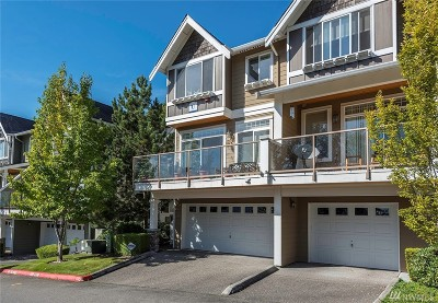 Issaquah Condo/Townhouse For Sale: 23120 SE Black Nugget Rd #U1