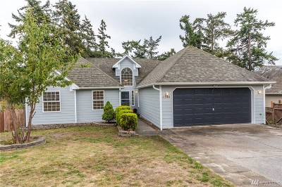 Oak Harbor Single Family Home Sold: 1561 SW 10th
