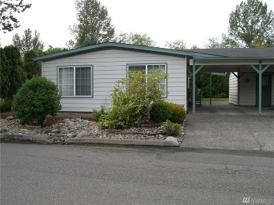 Bothell Single Family Home For Sale: 23708 Lake Dr W
