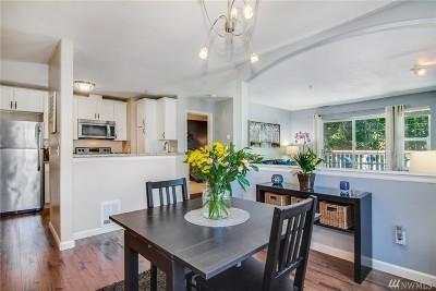 Issaquah Condo/Townhouse For Sale: 18505 SE Newport Wy #E321
