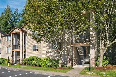 Issaquah Condo/Townhouse For Sale: 25025 SE Klahanie Blvd #B305