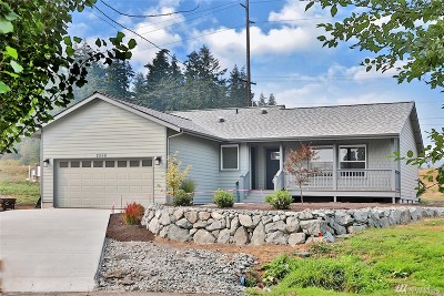Langley Single Family Home For Sale: 2568 Myra Place