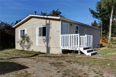 Oak Harbor Single Family Home For Sale: 1448 SW Swantown Ave