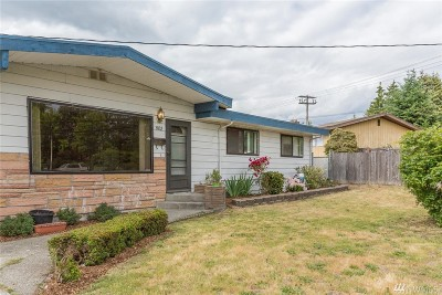 Renton Single Family Home For Sale: 3032 NE 7th St