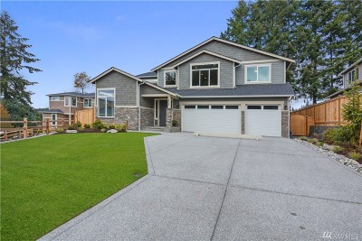 Snohomish County Single Family Home For Sale: 1417 242nd Place SE