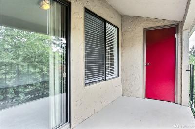 Bellevue Condo/Townhouse For Sale: 16245 NE 12th Ct #G-90