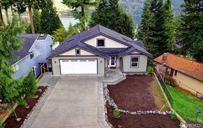 Bellingham Single Family Home For Sale: 6 Bogey Lane