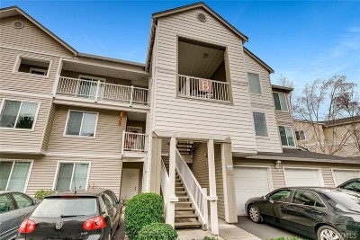 Bothell Condo/Townhouse For Sale: 2009 196th St SE #B304