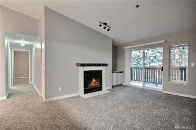 Everett Condo/Townhouse For Sale: 215 100th St SW #D305
