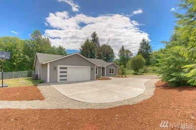 Pierce County Single Family Home For Sale: 6611 Cresent Beach Rd