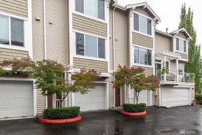 Bothell Condo/Townhouse For Sale: 11817 NE 162nd Ct