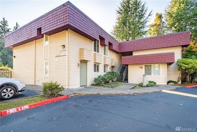 Bellevue Condo/Townhouse For Sale: 14002 SE 6th St #4