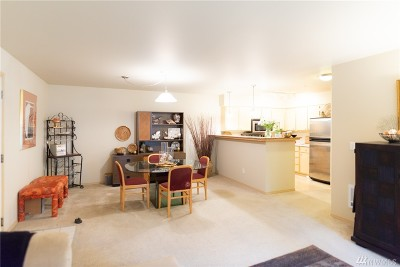 Bothell WA Condo/Townhouse For Sale: $385,000