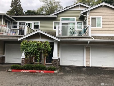 SeaTac Condo/Townhouse For Sale: 4035 S 212th Ct #D