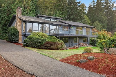 Edmonds Single Family Home For Sale: 8400 Frederick Place