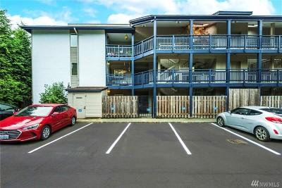 Bellevue Condo/Townhouse For Sale: 12303 SE 60th St #D1