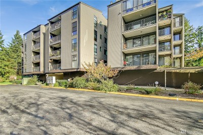 Redmond Condo/Townhouse For Sale: 6702 139th Ave NE #748