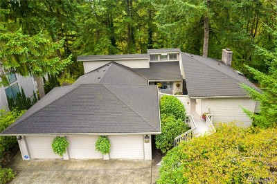 Bellevue Single Family Home For Sale: 5221 Somerset Dr SE