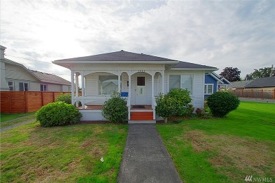 Enumclaw Single Family Home For Sale: 1252 Division St