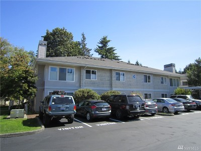 Lake Stevens Condo/Townhouse For Sale: 9210 Market Place #C104
