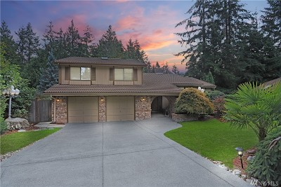 Sammamish Single Family Home For Sale: 2068 211th Ave NE