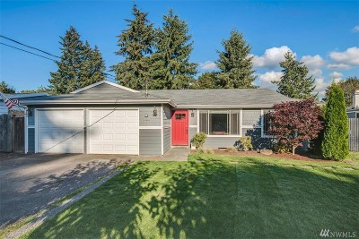Newcastle Single Family Home For Sale: 8812 123rd Ave SE