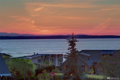 Edmonds Single Family Home For Sale: 18915 Sound View Place