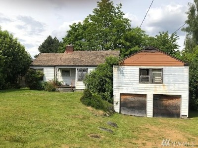 Burien Single Family Home For Sale: 1414 SW 158th St