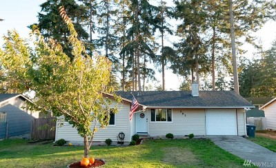 Oak Harbor Single Family Home Sold: 591 NW Dory Dr